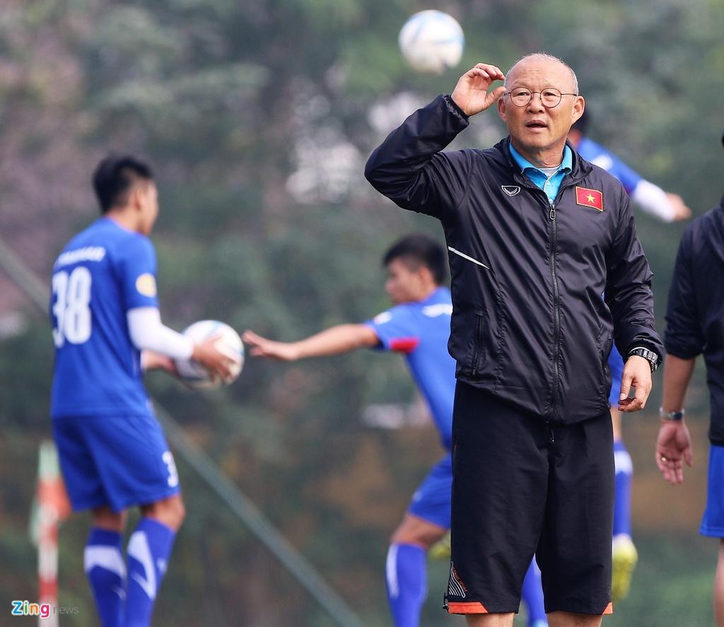 U23 Viet Nam tap bai 'keo xe' ren the luc hinh anh 1