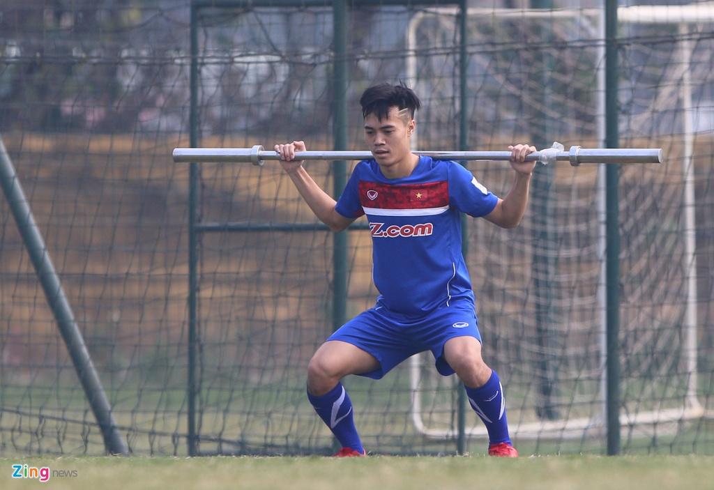 U23 Viet Nam tap bai 'keo xe' ren the luc hinh anh 5