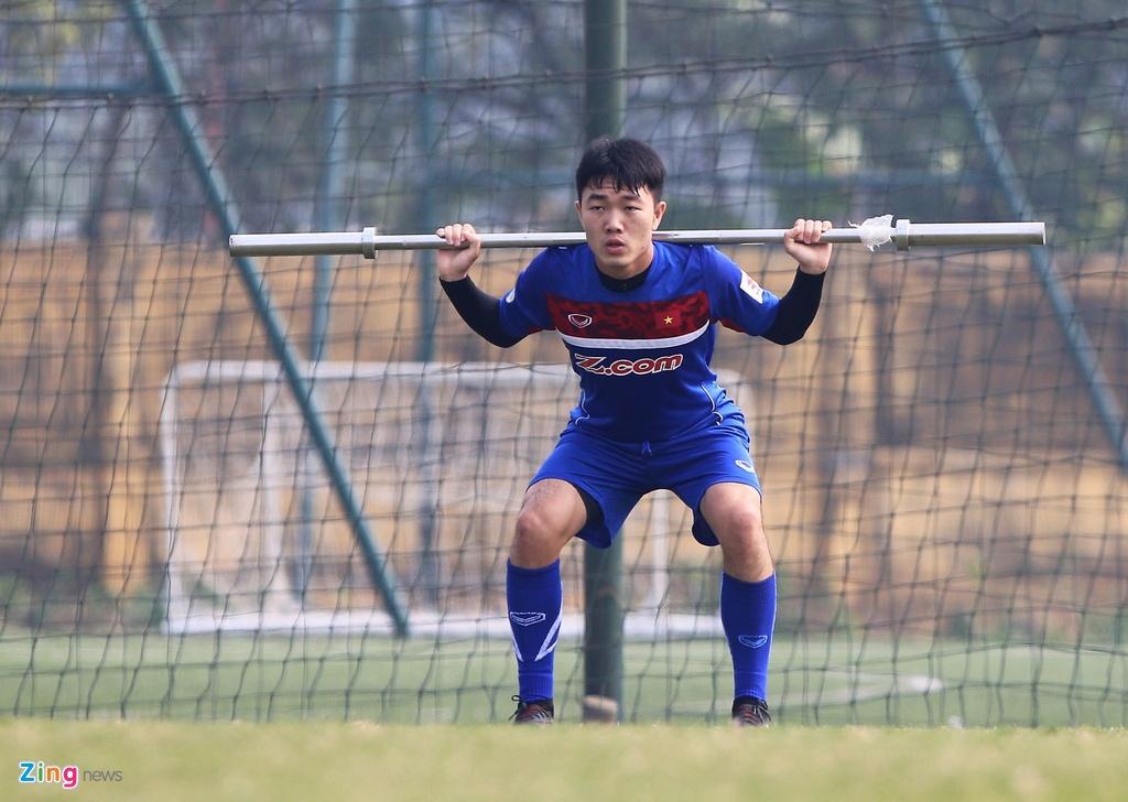 U23 Viet Nam tap bai 'keo xe' ren the luc hinh anh 6
