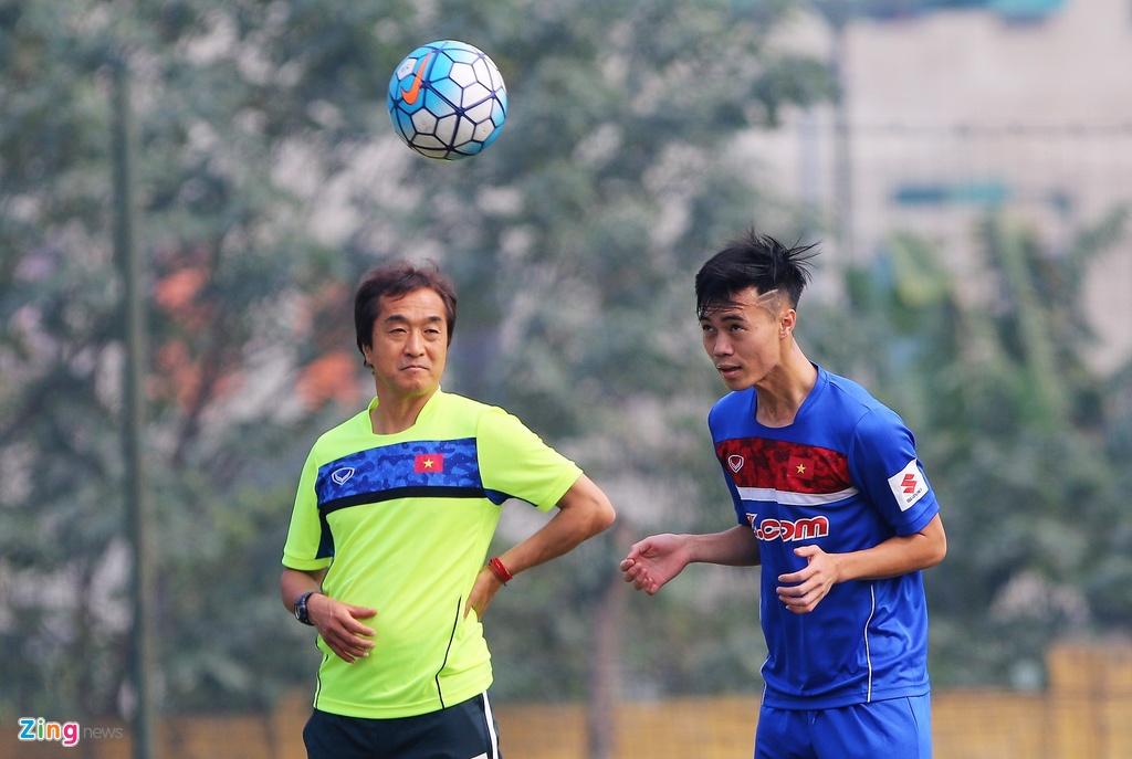 U23 Viet Nam tap bai 'keo xe' ren the luc hinh anh 7