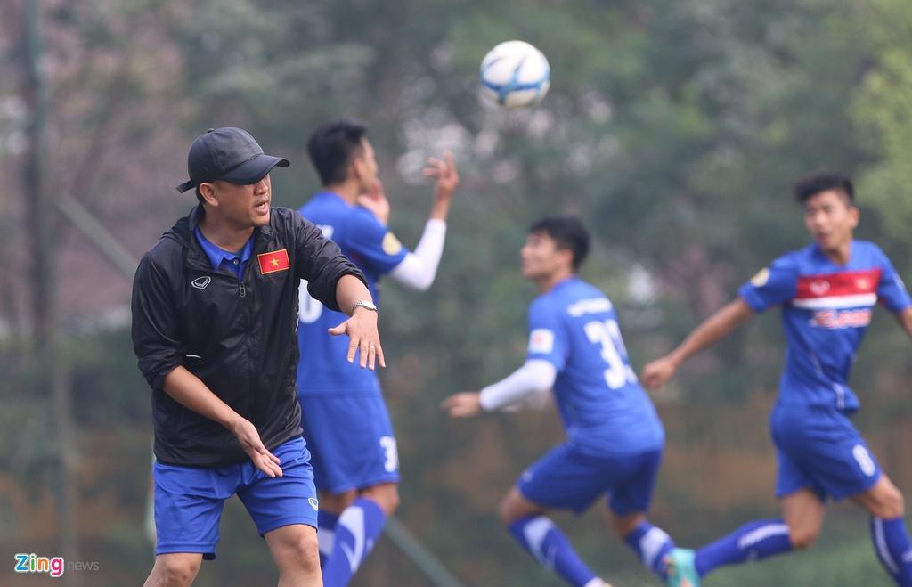 U23 Viet Nam tap bai 'keo xe' ren the luc hinh anh 8