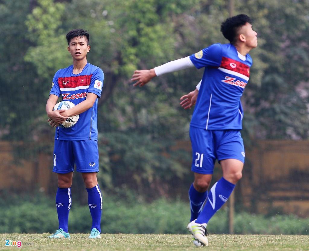 U23 Viet Nam tap bai 'keo xe' ren the luc hinh anh 9