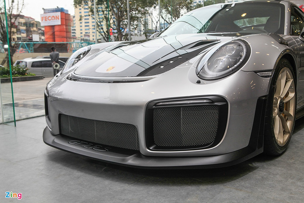 Chi tiet Porsche 911 GT2 RS manh nhat lich su, gia 20 ty o VN hinh anh 4