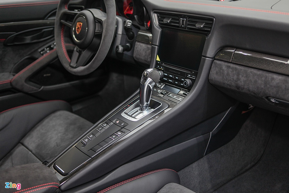 Chi tiet Porsche 911 GT2 RS manh nhat lich su, gia 20 ty o VN hinh anh 5