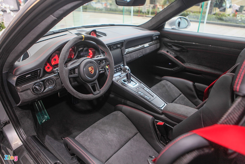 Chi tiet Porsche 911 GT2 RS manh nhat lich su, gia 20 ty o VN hinh anh 6