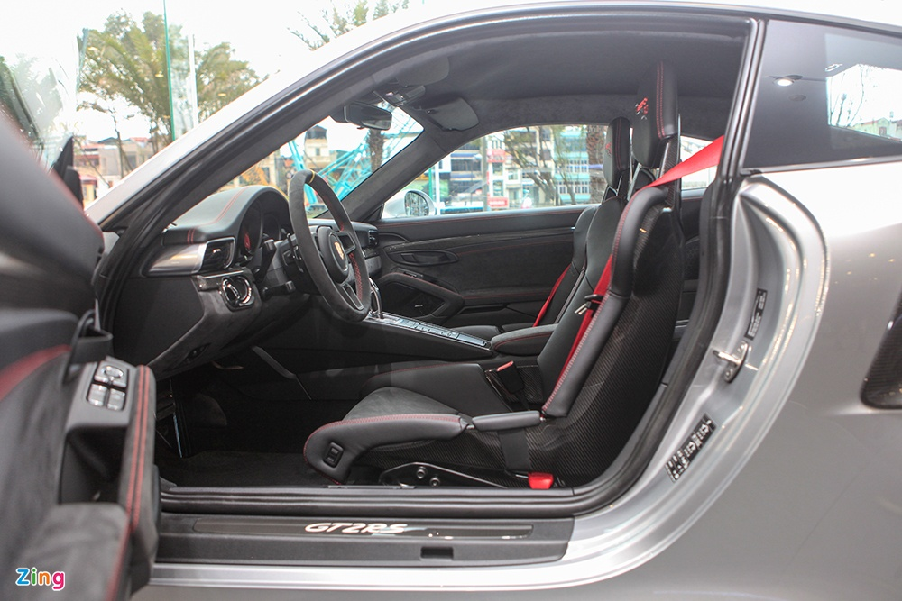 Chi tiet Porsche 911 GT2 RS manh nhat lich su, gia 20 ty o VN hinh anh 8