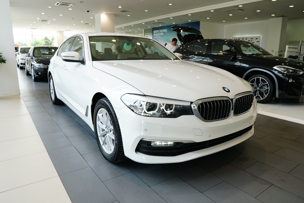 BMW 5-Series the he 7 ra mat tai VN, gia tu 2,4 ty hinh anh 4