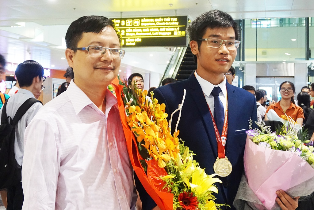 huy chuong vang Olympic quoc te anh 3