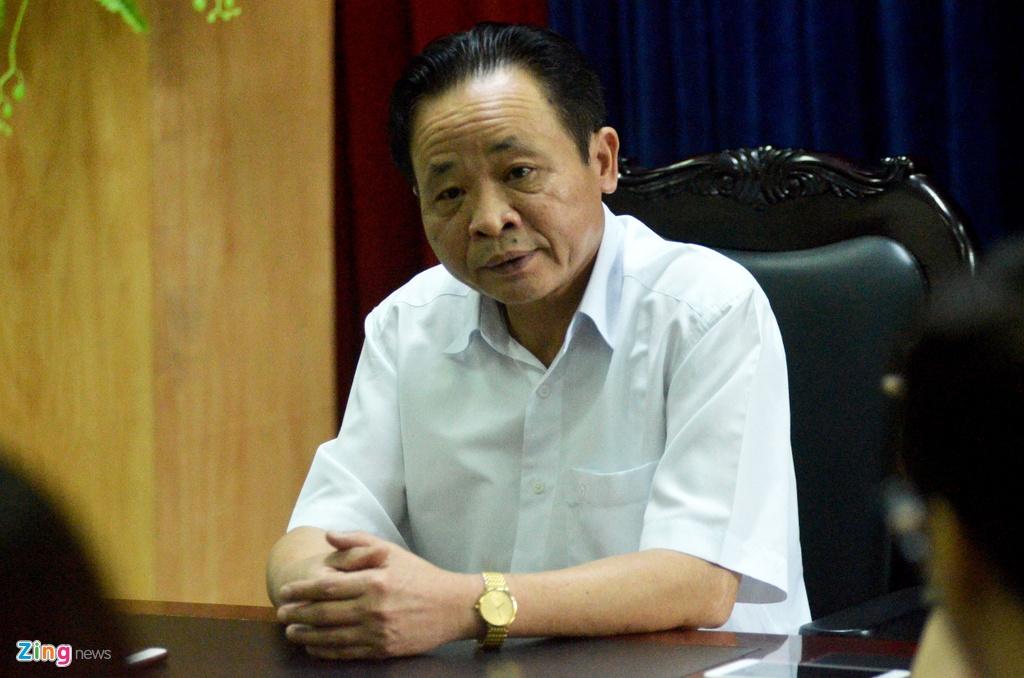 Giam doc So GD&DT Ha Giang: 'Dang ra soat toan bo khau cham thi' hinh anh 1