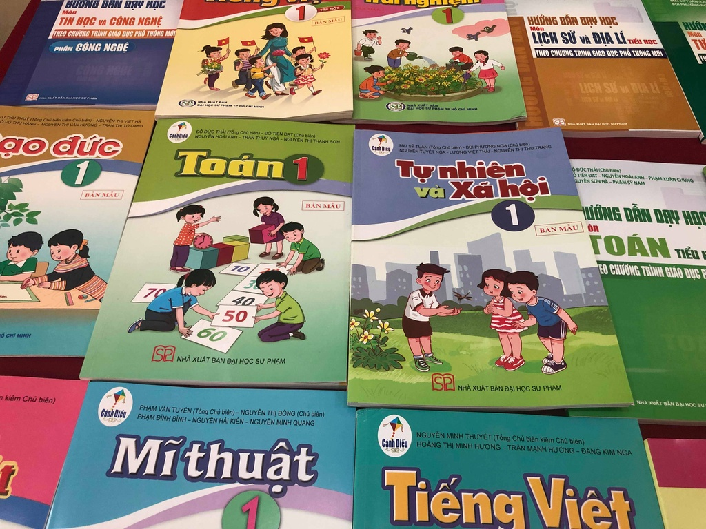 Day Tieng Viet cho hoc sinh lop 1 anh 1