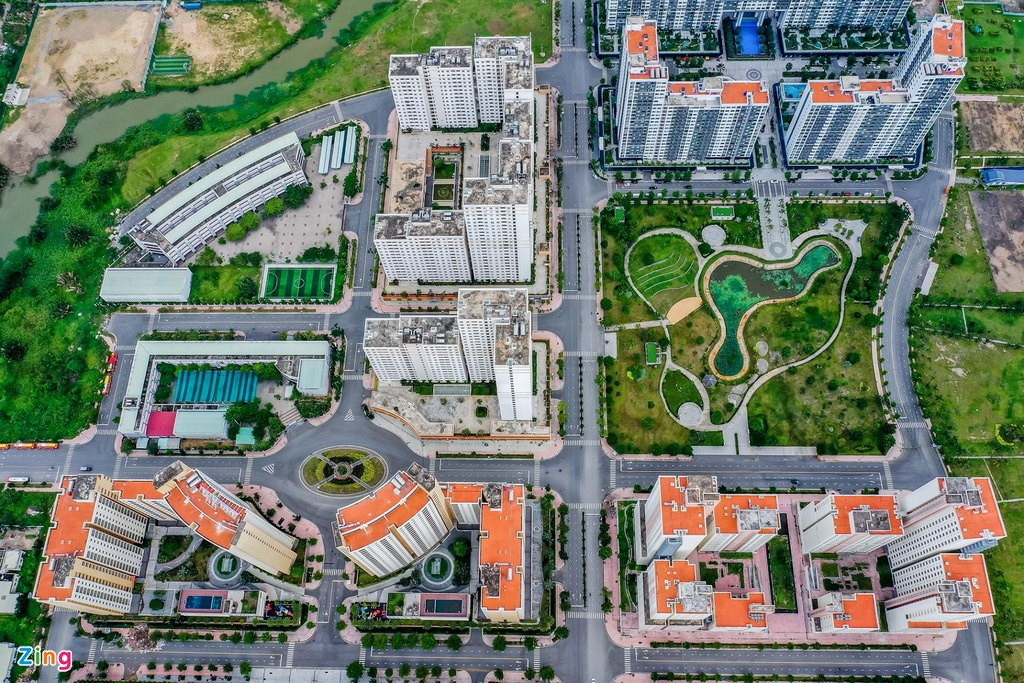 Do cư dân không về ở, khu tái định cư đã được mang ra đấu giá một phần, nhưng gần như không có người mua. Trong thời gian sắp tới, 3.790 căn hộ thuộc khu tái định cư này lại tiếp tục được đề nghị đem ra đấu giá lần hai.