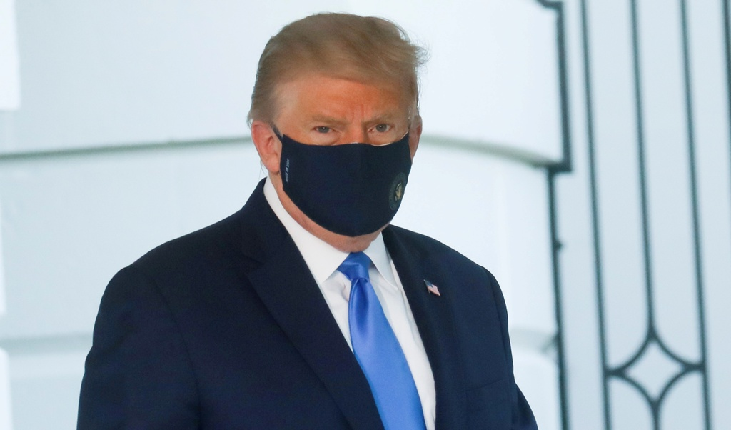 Trump duong tinh Covid-19 anh 3