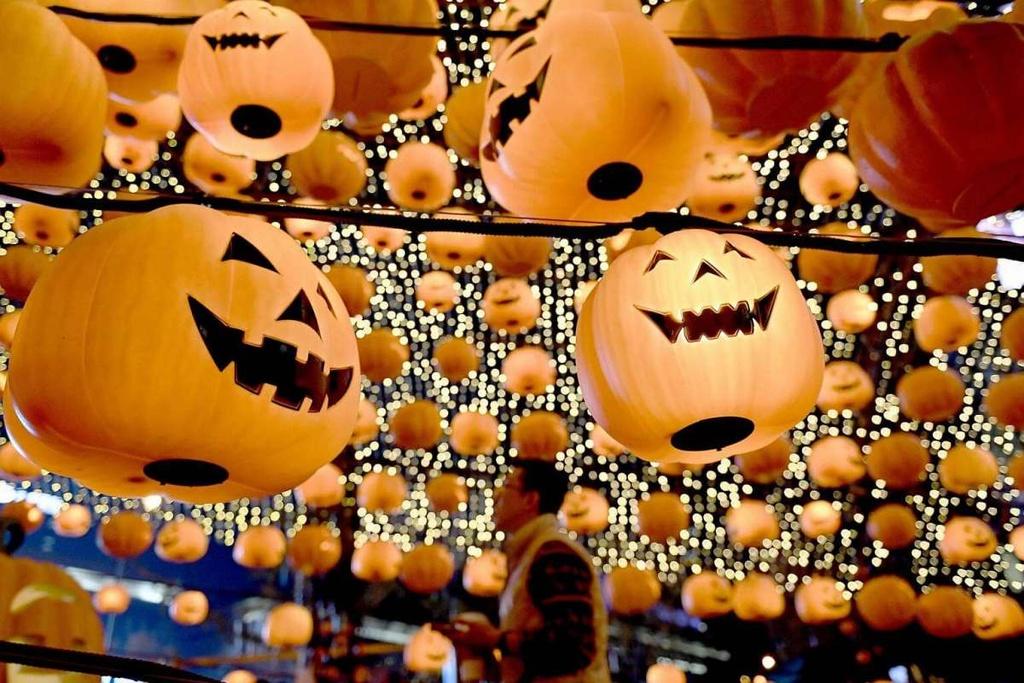 Sac mau ruc ro, ma quai cua le Halloween khap the gioi hinh anh 1