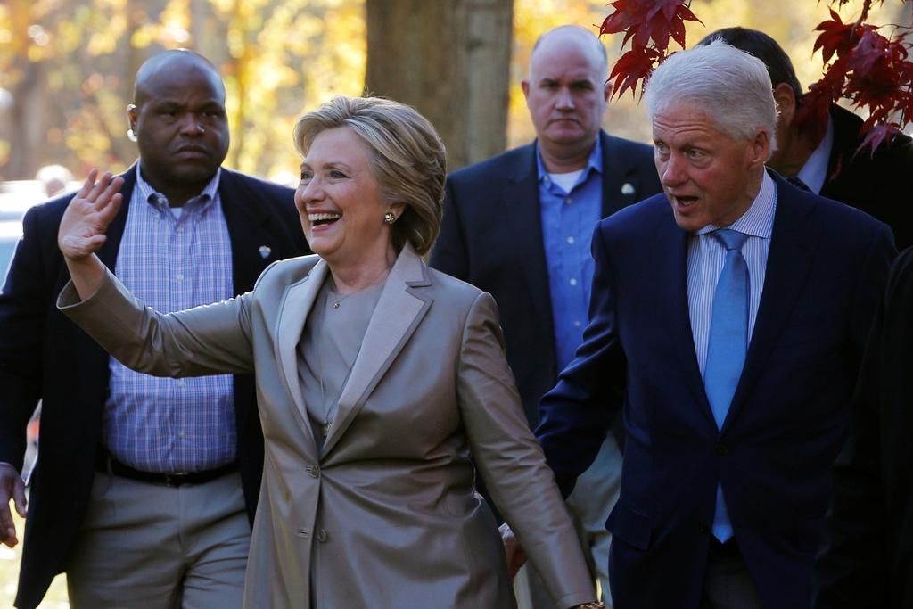 Hillary Clinton di bau cu anh 6