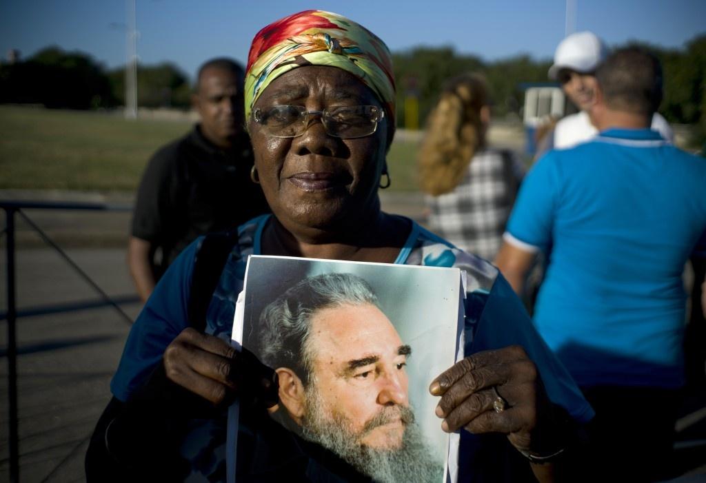 Hang tram nghin nguoi doi vao tien biet lanh tu Fidel Castro hinh anh 10