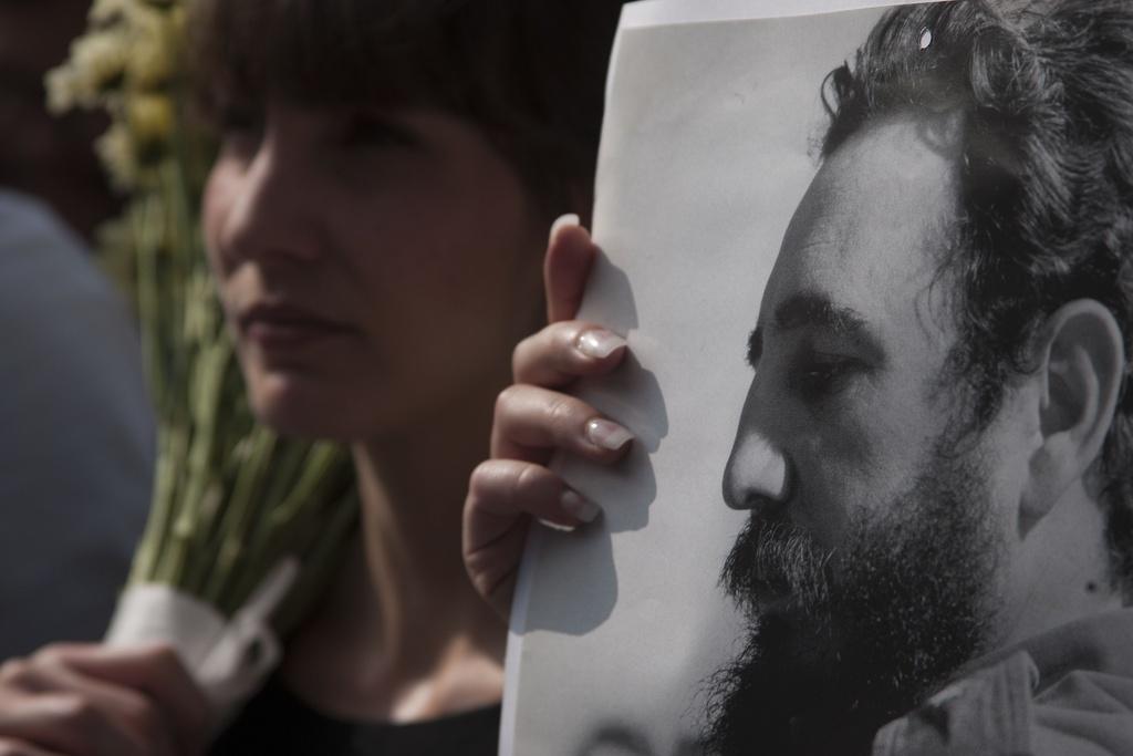 Hang tram nghin nguoi doi vao tien biet lanh tu Fidel Castro hinh anh 11