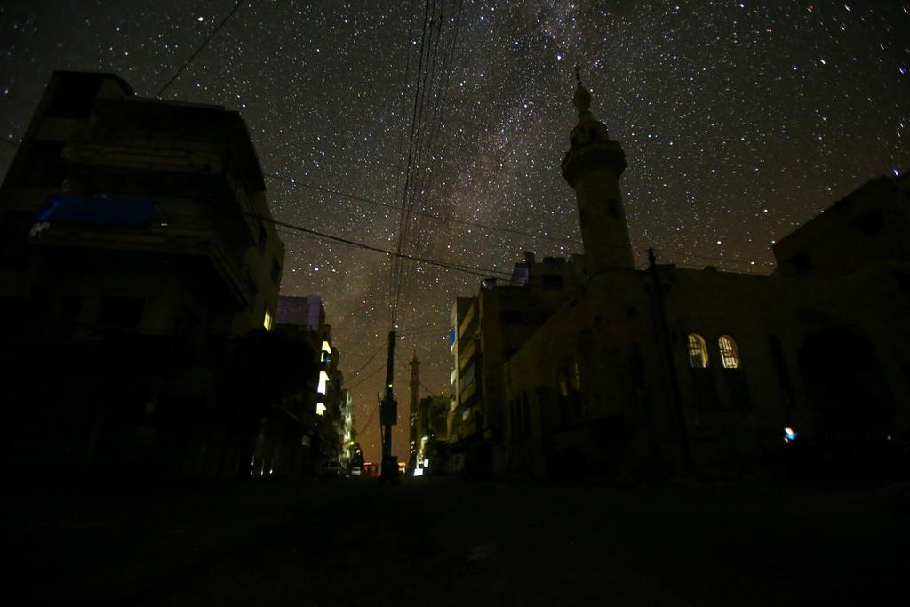 Bau troi ngan sao van sang ben tren Syria hoang tan hinh anh 4