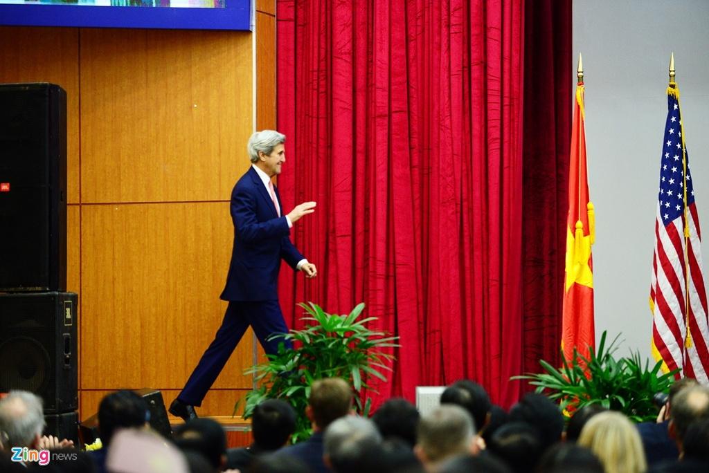Buoi chieu tat bat cua Ngoai truong John Kerry o TP.HCM hinh anh 1