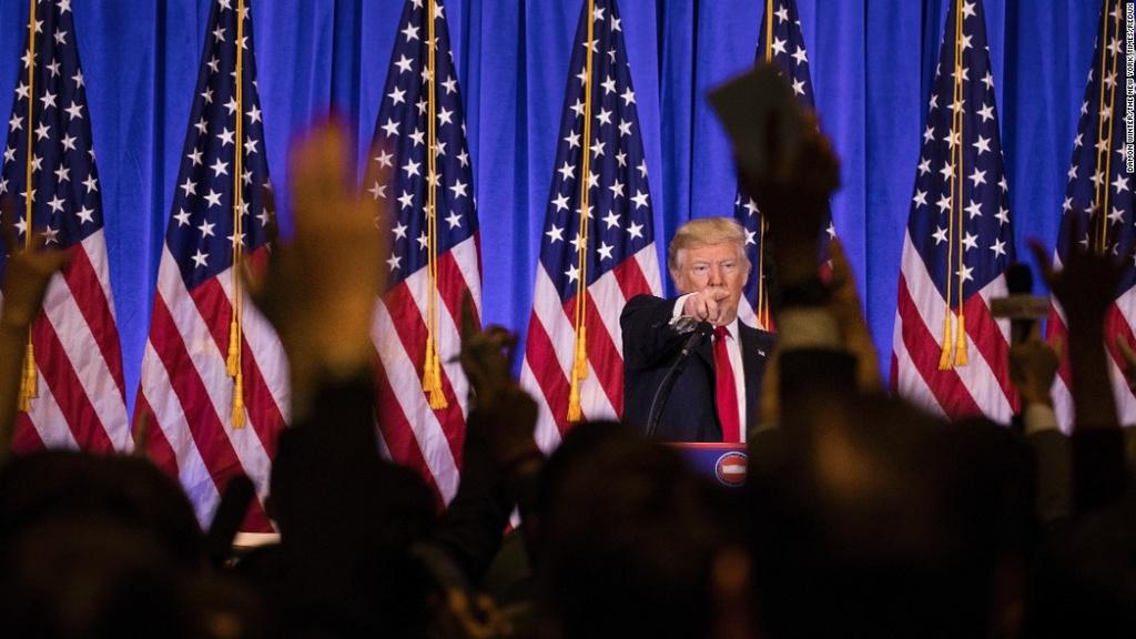 Den phu tuyet trang xoa, Trump cau gian vao top anh tuan hinh anh 3