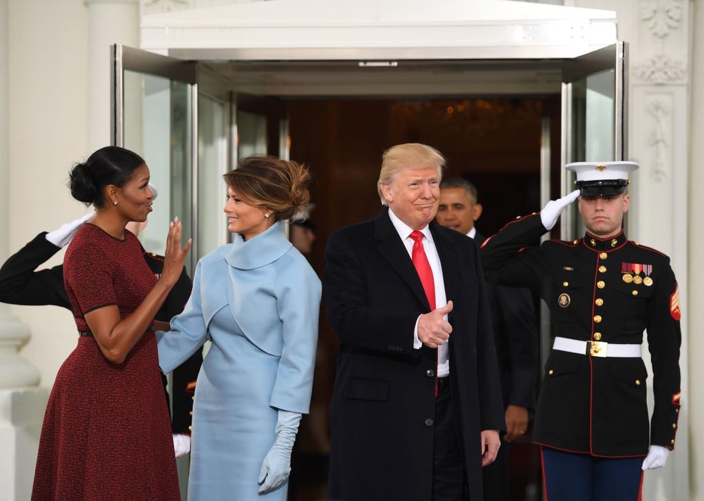 Trump toi Nha Trang, Obama chao tu biet hinh anh 5
