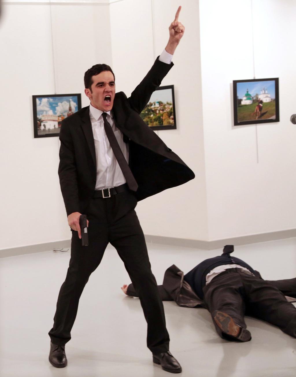 Anh dai su Nga bi am sat doat giai World Press Photo 2017 hinh anh 1