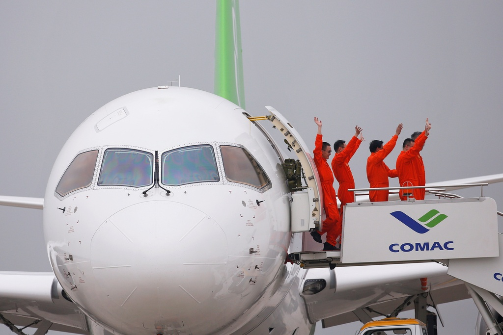 Can canh may bay Trung Quoc tham vong canh tranh voi Boeing hinh anh 11