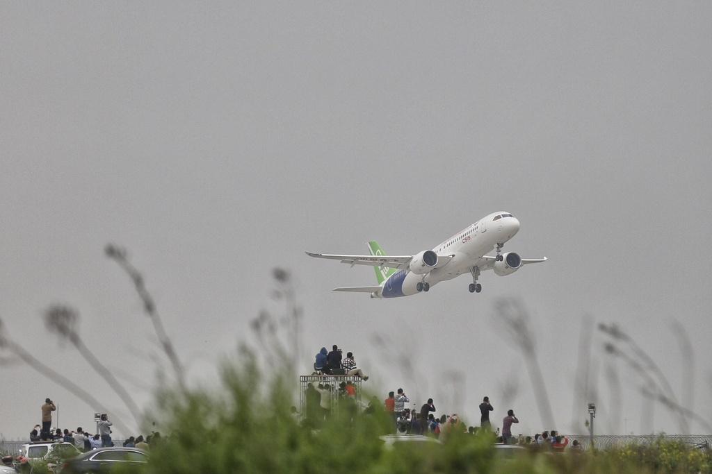 Can canh may bay Trung Quoc tham vong canh tranh voi Boeing hinh anh 10
