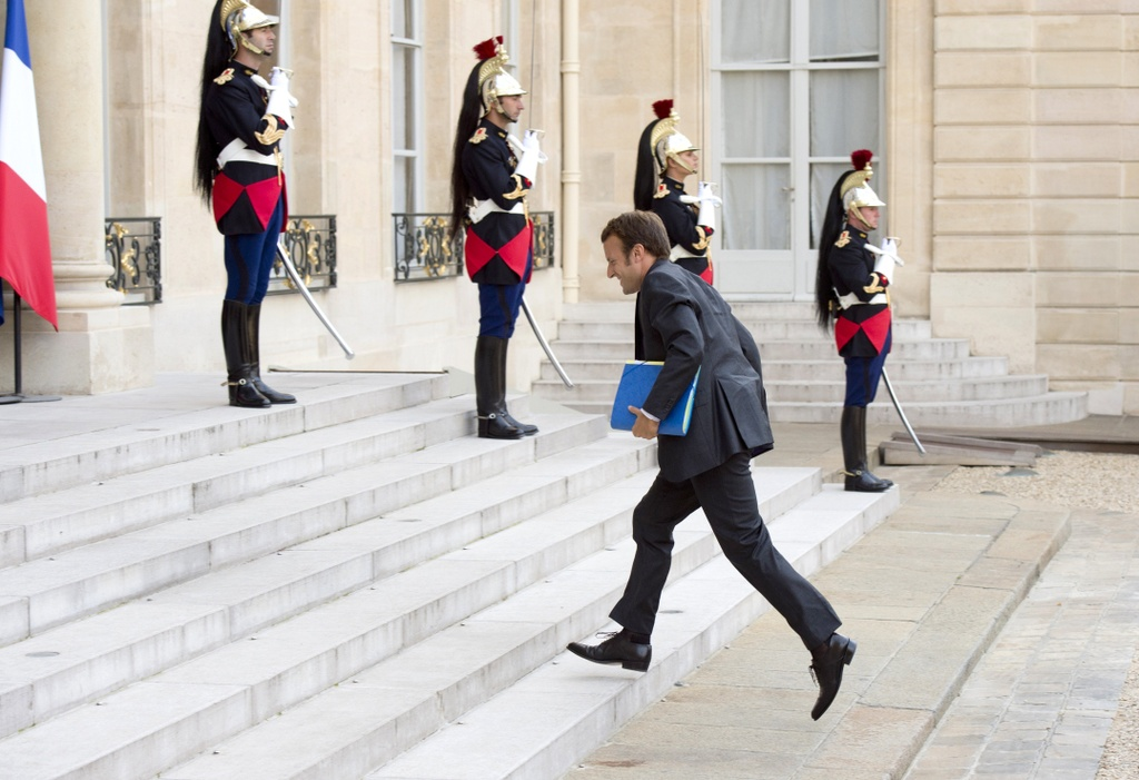 Duong toi Dien Elysee cua tong thong dac cu Macron hinh anh 3
