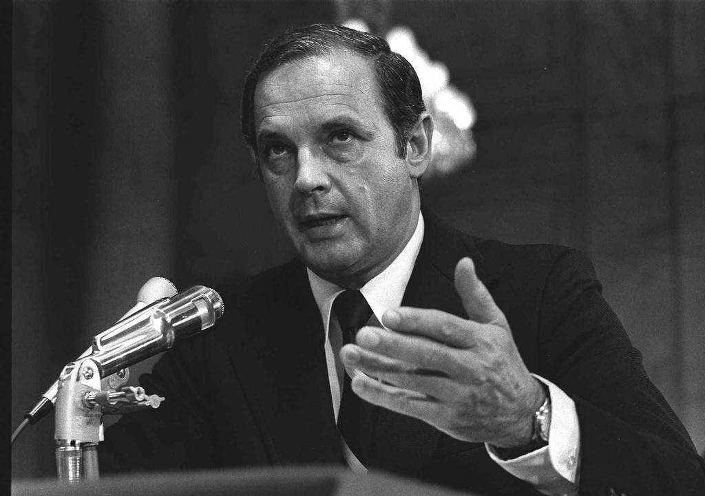 Be boi Watergate: Nixon sup do, chinh tri My mai mai thay doi hinh anh 3