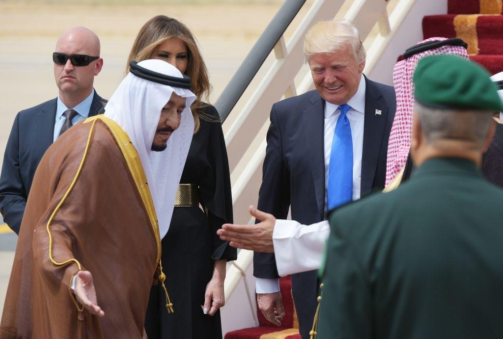 Saudi Arabia tiep don ong Trump nong hau, trai nguoc thoi Obama hinh anh 3