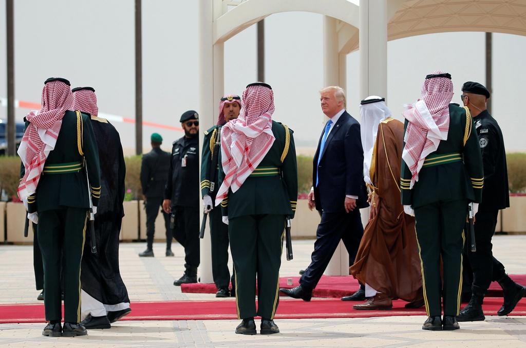 Saudi Arabia tiep don ong Trump nong hau, trai nguoc thoi Obama hinh anh 6