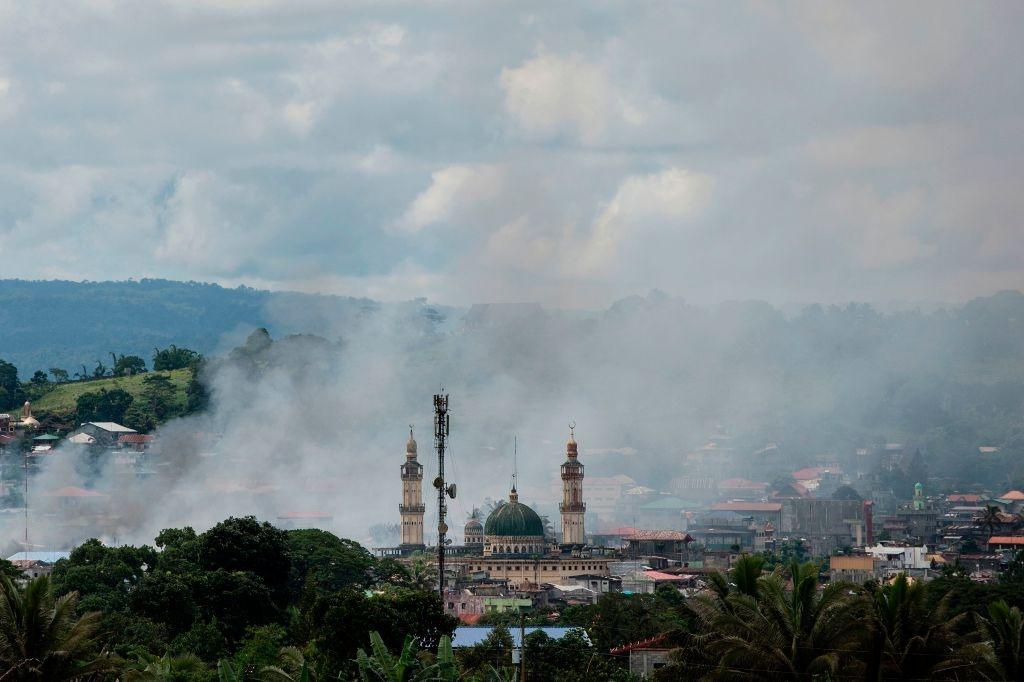 May bay My va Philippines quan thao tren bau troi Marawi hinh anh 12
