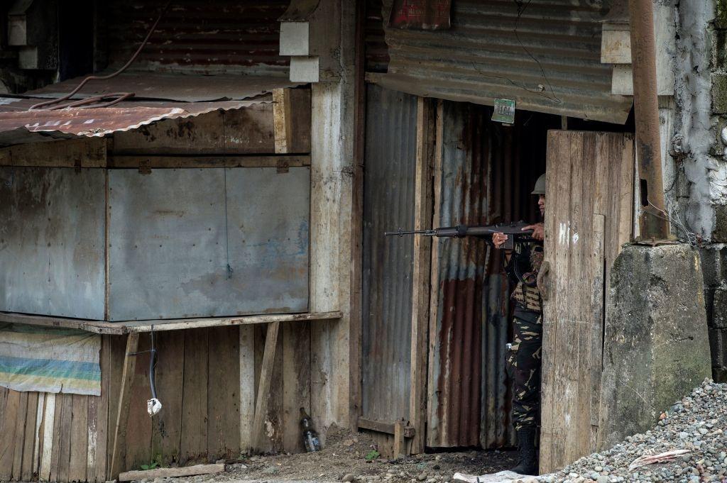 May bay My va Philippines quan thao tren bau troi Marawi hinh anh 3