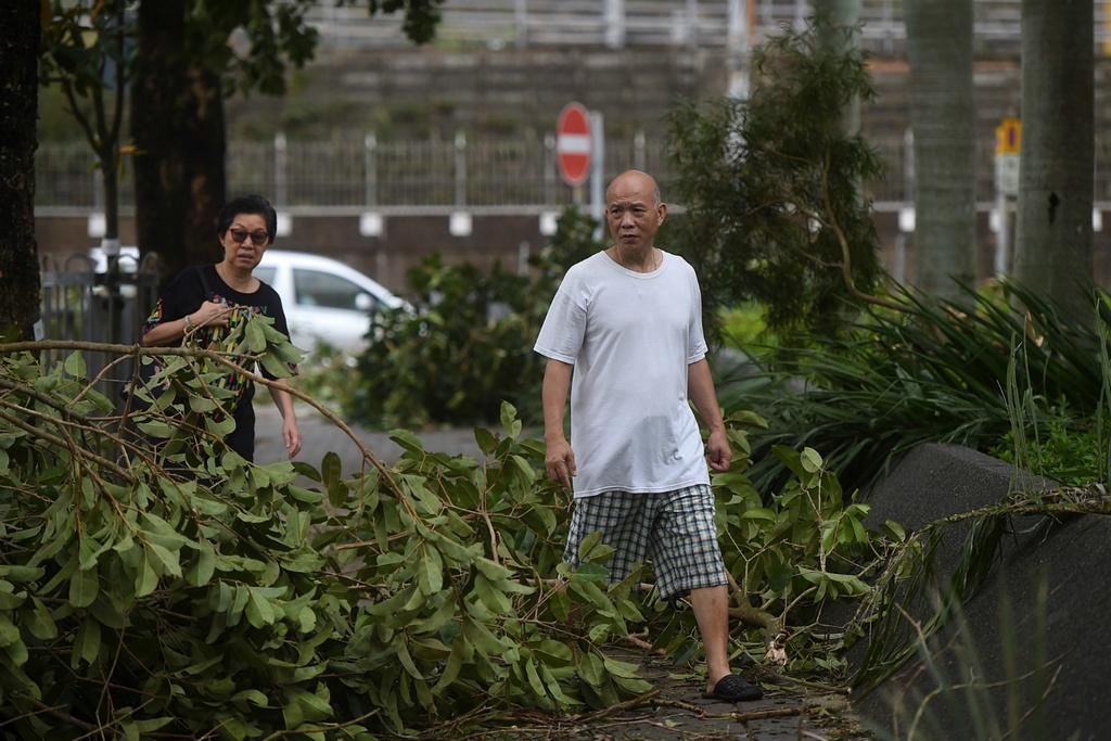 Dai khi tuong Hong Kong: Co quan 'quyen luc' nhat mua mua bao hinh anh 14