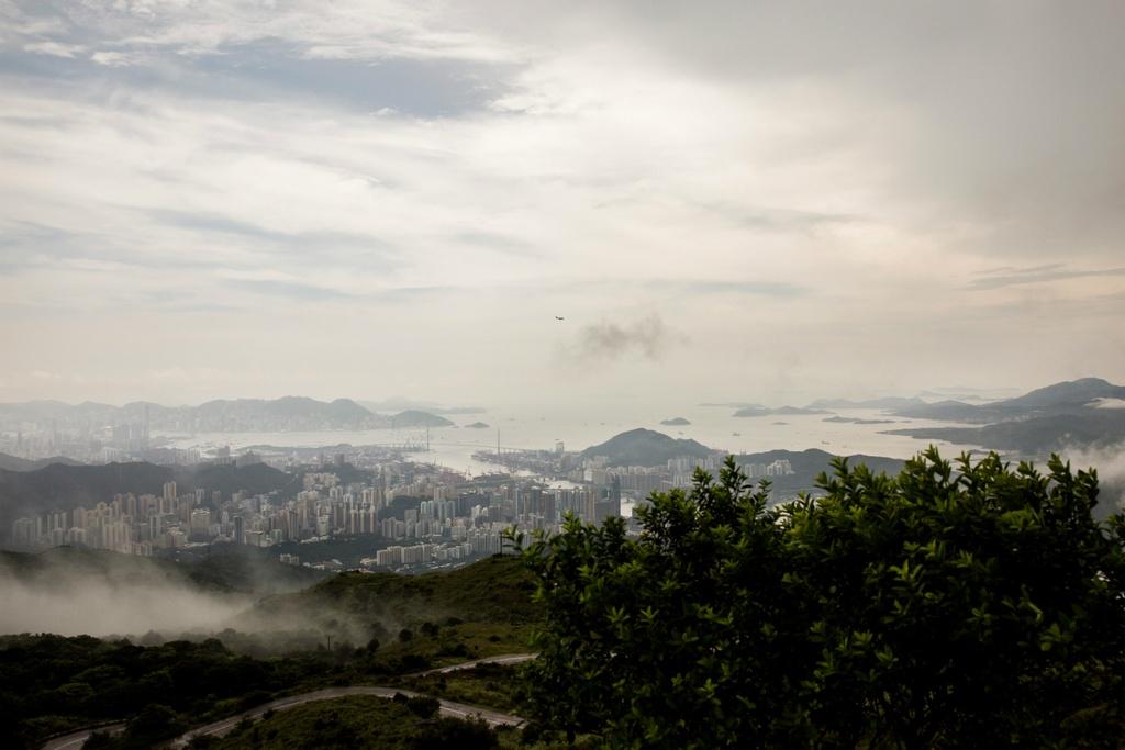 Dai khi tuong Hong Kong: Co quan 'quyen luc' nhat mua mua bao hinh anh 12