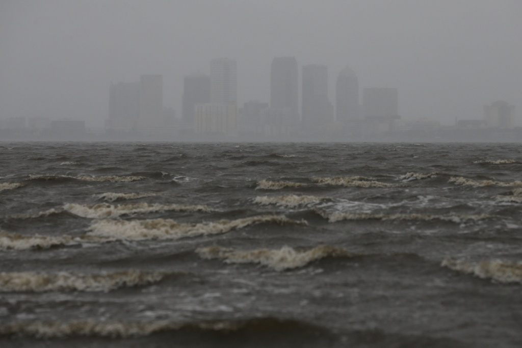Irma khien Florida nhu o 'vung toi mat trang', it nhat 3 nguoi chet hinh anh 9