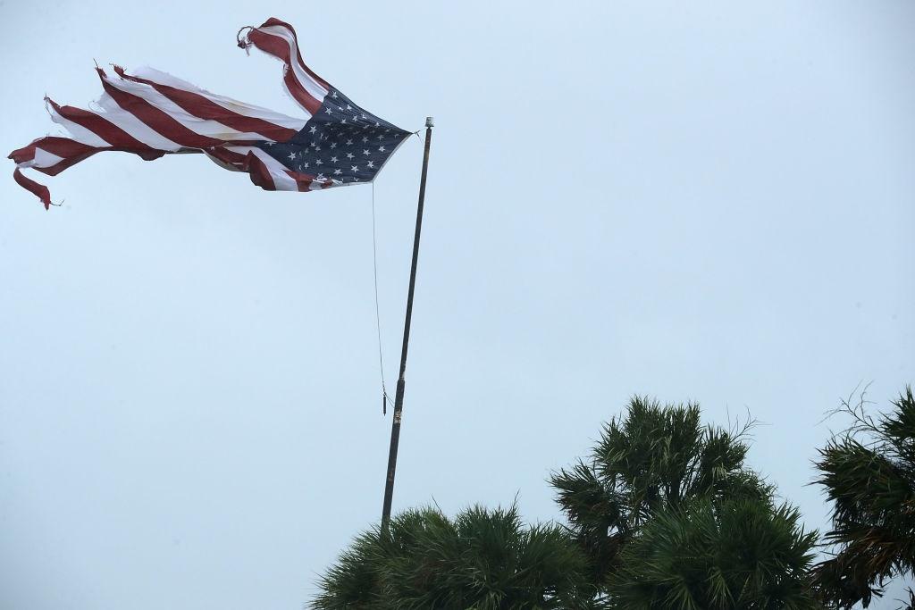 Irma khien Florida nhu o 'vung toi mat trang', it nhat 3 nguoi chet hinh anh 7