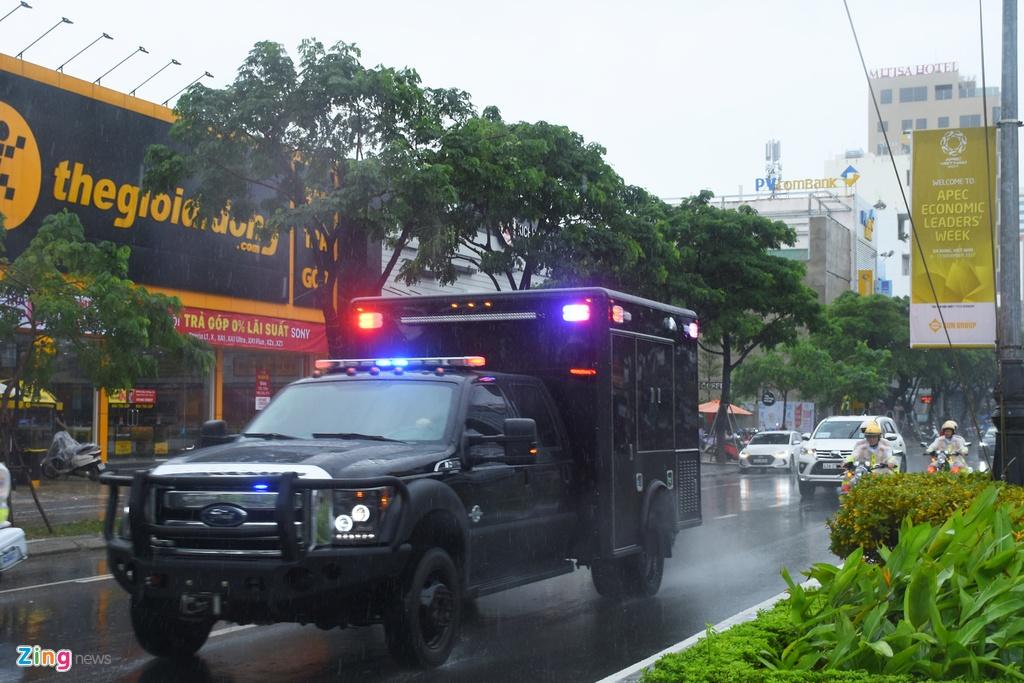 'Quai thu' cua Tong thong Trump lan banh tren duong pho Da Nang hinh anh 11