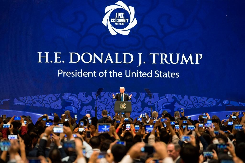 Trump: My khong muon tiep tuc bi loi dung ve thuong mai hinh anh 1