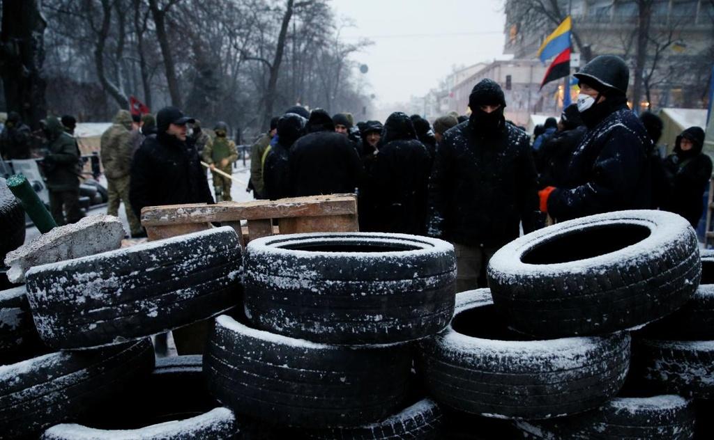 Ukraine: Nguoi bieu tinh dung leu 'giau' cuu tong thong Gruzia hinh anh 3