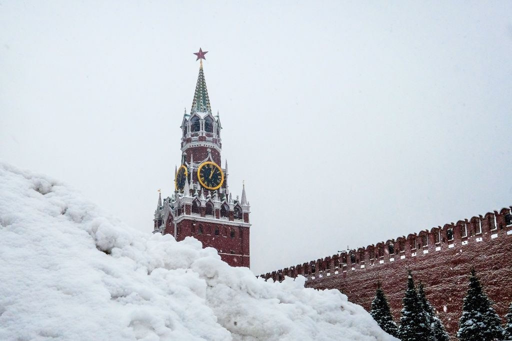 Tuyet roi day nhat the ky, Moscow chim trong mua dong trang xoa hinh anh 9