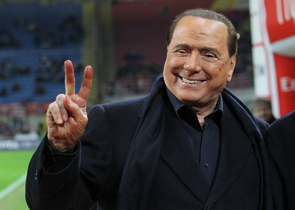 Bau cu Italy: 'Bo gia' Berlusconi tro lai va nguy co cuc huu hinh anh 1