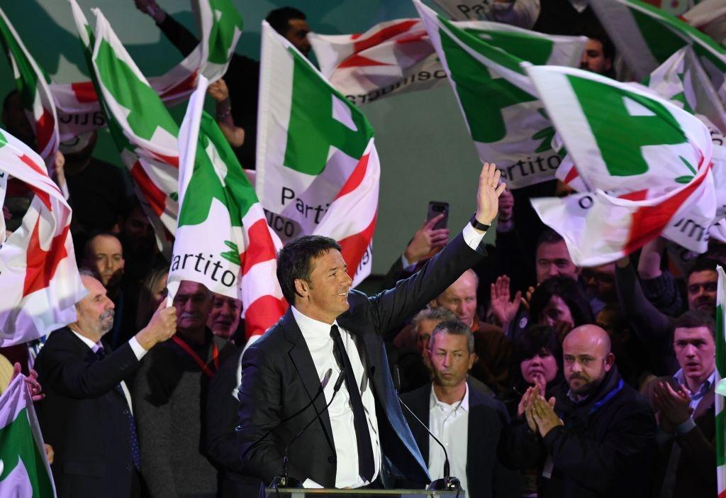 Bau cu Italy: 'Bo gia' Berlusconi tro lai va nguy co cuc huu hinh anh 2