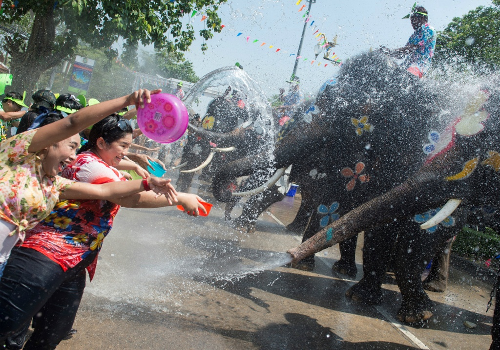 Thai Lan ron rang truoc Songkran dau tien sau quoc tang hinh anh 9
