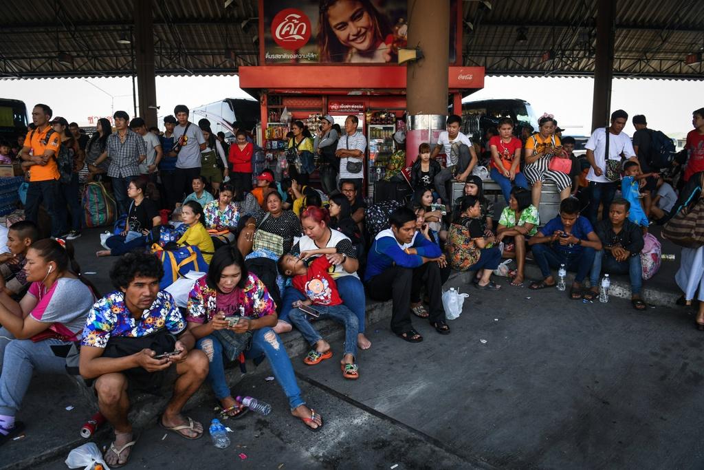Thai Lan ron rang truoc Songkran dau tien sau quoc tang hinh anh 7
