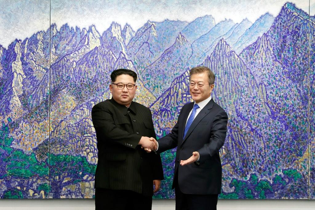 Kim gap Moon: Nhung xuc cam khi 'Mat Troi' doi dien 'Mat Trang' hinh anh 6