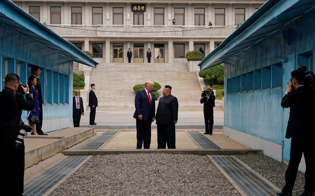 Kim Trump gap nhau o DMZ anh 1