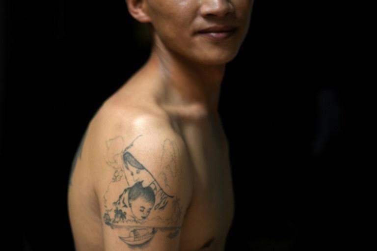 Lao dong Viet trong cac tiem nail va trai trong can sa o Anh hinh anh 4