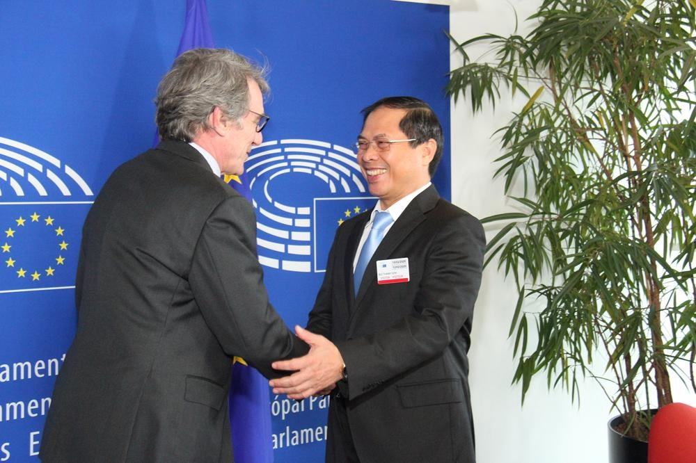 EU thong qua hiep dinh thuong mai voi Viet Nam hinh anh 1 TT.jpg