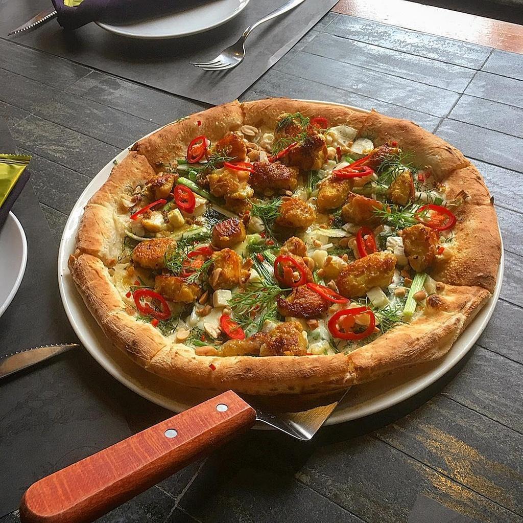 Com tam va 6 mon pizza ket hop la lung tai Viet Nam hinh anh 9
